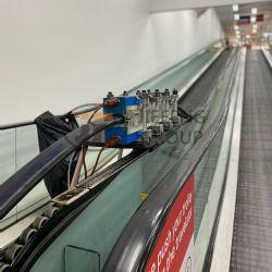 Escalator handrail splicing machine